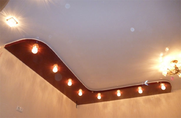Компания T-SERVICE отличается невысокими ценами на натяжные потолки и ориентированностью на клиента