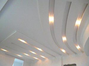 Натяжной потолок в гипсокартоне с посветкой